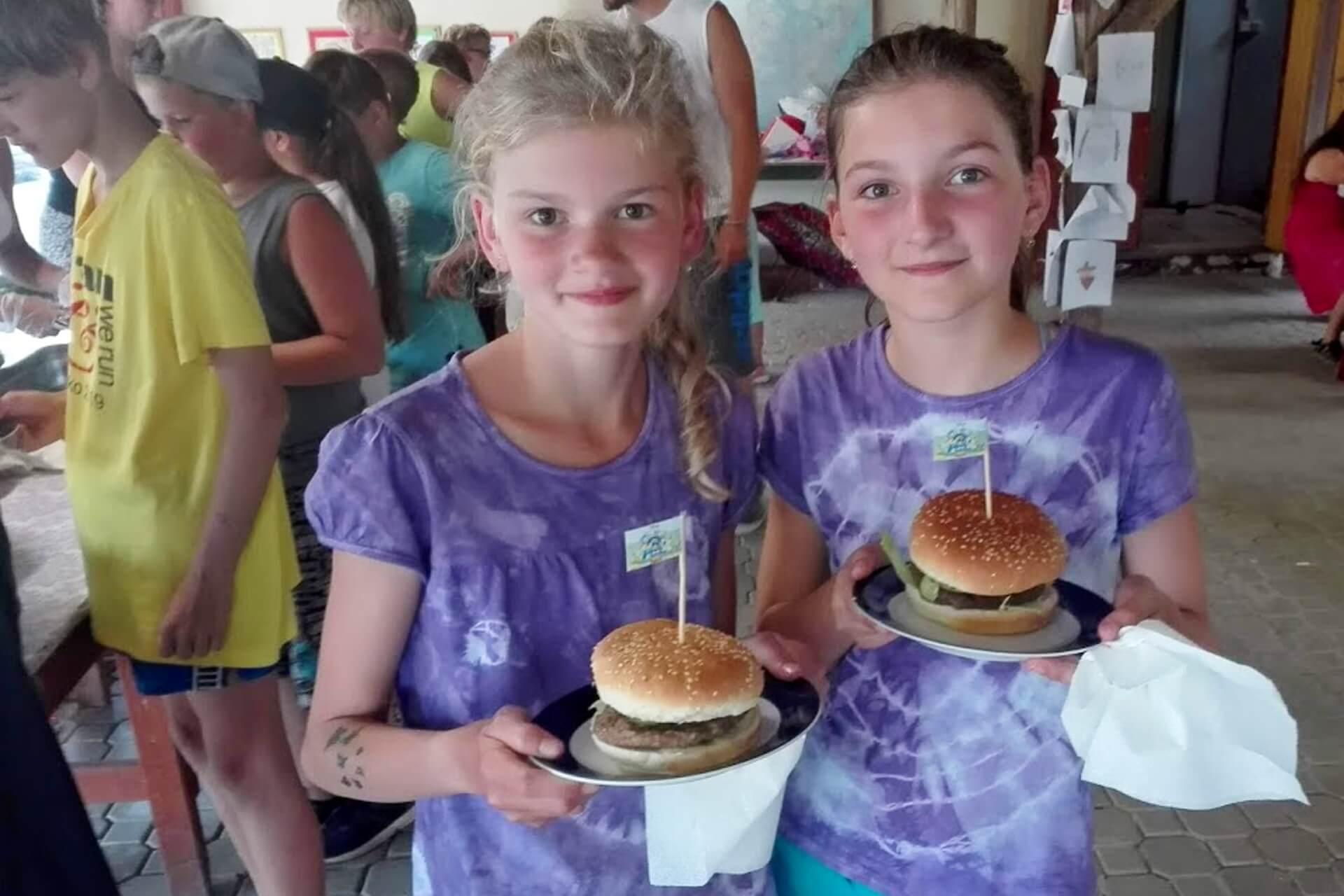 tabor_jidlo_hamburger